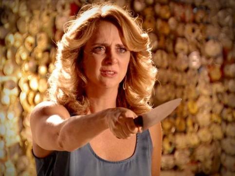 Ivana com faca