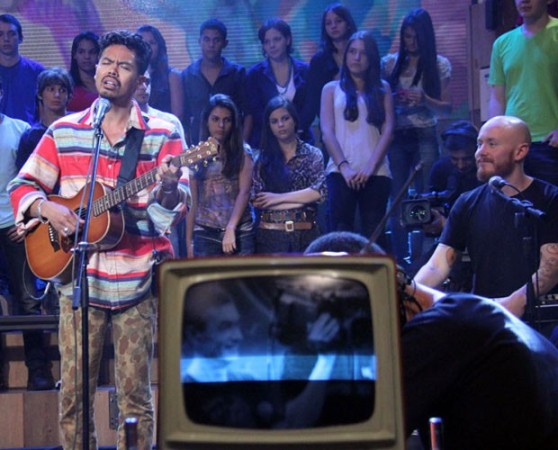 Banda The Temper Trap toca no programa deste sábado (Foto: TV Globo)