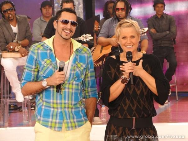 Latino vai fazer todo mundo dançar (Foto: TV Globo)