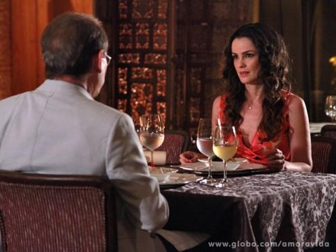 Herbet pede Gina em casamento (Foto: Divulgação/Globo)